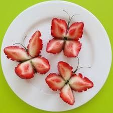 Your Strawberry Butterflies Strawberry butterfly snack for a garden themed party Science Toys for Clever Kids. Kiwi Fruit Flower - they look like water lilies, so pretty! These would make cute party food! Viva as frutas Cute Food, Good Food, Yummy Food, Healthy Snacks, Healthy Recipes, Fruit Snacks, Fruit Food, Veggie Food, Healthy Kids