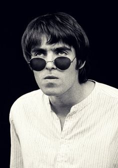 Liam Gallagher Noel Gallagher, Music Quote Tattoos, Liam And Noel, Oasis Band, Beady Eye, Music Backgrounds, Britpop, Billy Joel, Wonderwall