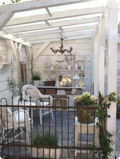 i have a space like this at the side of my house, that as yet has nothing and sits waiting for development and this idea I like and would sit well into that space