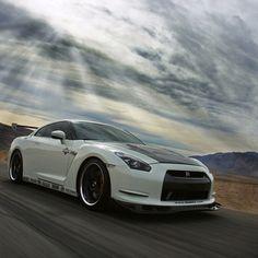 Stunning! Budez Nissan GT-R TYC photography