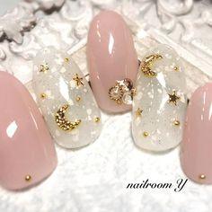 "nailroom Y on Instagram: ""❇︎ ❇︎ 月と星🌟💫 ❇︎ ❇︎ #ピンクネイル#ホワイトネイル#星ネイル#月と星ネイル#秋ネイル#冬ネイル…"" Creative Nail Designs, Winter Nail Designs, Creative Nails, Acrylic Nail Designs, Nail Art Designs, Asian Nail Art, Asian Nails, Korean Nails, Classy Acrylic Nails"