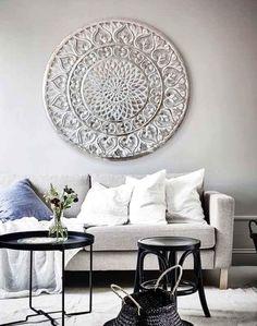 cuadros plateados sofas in 2020 Home Decor Bedroom, Decor, Interior Design Living Room, Arabian Decor, Furniture, Interior Design, Living Room Decor, Room Decor, Home Deco