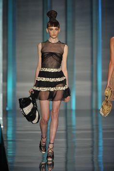 Christian Dior Spring 2009 Ready-to-Wear Fashion Show - Myf Shepherd