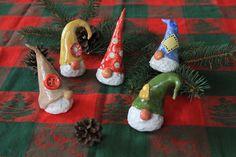 Die 5 kleinen Wichtel-Kumpels zur Weihnachtszeit von ThoLiKo auf DaWanda.com