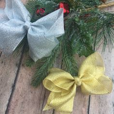 Gold Hair bow - Silver Hair bow - Christmas Hair Bows - Christmas Hair bow - sparkle bows - Small boutique bows - Metallic hair bow by BBgiftsandmore on Etsy