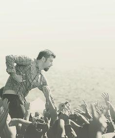 Chino Moreno, my favorite voice.. <3 Deftones, team Sleep and Crosses