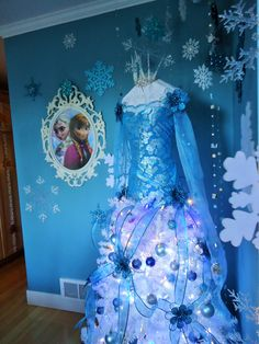 Disney frozen, Elsa christmas tree,2014 Teresa Adkins