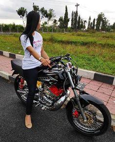 Yamaha Rx100, Scooter Girl, Custom Bikes, Motorcycle, King, Cars, Vehicles, Album, Shopping