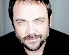Mark Sheppard. I honestly find him so attractive! (DILF) He's hot... sorry not sorry.