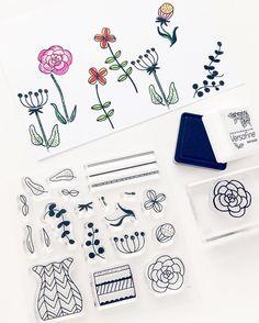 #papierprojekt Kreativ Team Stempel Kollektion 5/5: Naturalis mit Ideen von @ms_trudy Jennifer wollte eine Platte mit der sie ihren eigenen Blumengarten bauen kann. Die handgezeichneten Motive sind in fast unendlichen Varianten kombinierbar und perfekt zum Ausmalen.