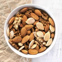 Pack snacks with seeds and nuts and you're on your way to improving your concentration Healthy Brain, Brain Food, Brain Health, Snack Recipes, Snacks, Balanced Diet, Benefit, Improve Yourself, Seeds