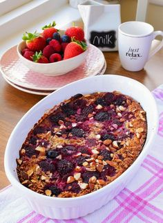Baked Summer Fruit Oatmeal with Almonds Summer Berries, Summer Fruit, Raspberry Syrup Recipes, Baked Oatmeal, Recipe Box, Chili, Cereal, Soup, Baking