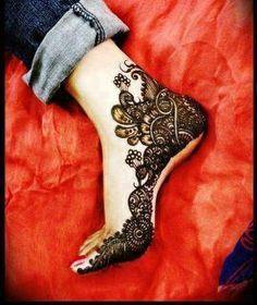 lovely mehendi design for the feet, gorgeous, stylish, wow, pretty