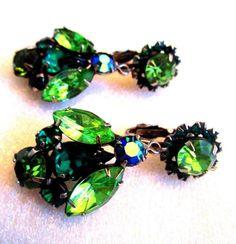 Vintage EMERALD Green Rhinestone Dangling Drop Earrings Weiss?