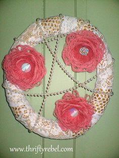 DIY Spring Wreaths : DIY Burlap Fringed Flower Wreath