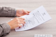 Resume Format Tips You Need to Know in 2018 [Sample Formats Included]  ||  Learn what fonts, font sizes, and formats to use for a clean and functional resume design. https://blog.hubspot.com/marketing/how-to-format-resume?utm_campaign=crowdfire&utm_content=crowdfire&utm_medium=social&utm_source=pinterest