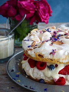 Verdens beste Kværfjordkake Norwegian Food, Recipe Boards, Cheesecakes, Food To Make, Goodies, Dessert Recipes, Food And Drink, Ice Cream, Sweets