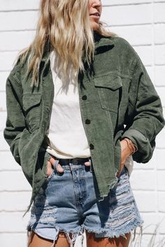 Forest Green Lexie Corduroy Jacket - elisonrd Source by outfit Cute Casual Outfits, Fall Outfits, Summer Outfits, Fashion Outfits, Jackets Fashion, 80s Fashion, Sweater Outfits, Green Outfits For Women, Cozy Fashion