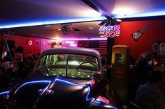 interior1 1950 American Diner, Neon Signs
