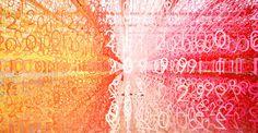 Cette artiste réalise une forêt de chiffres en papier multicolores : une étonnante vision du futur à découvrir absolument