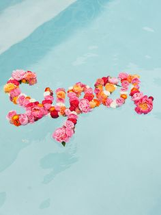 Floating Flower DIY: How to Create a DIY Flower Message (That Also Floats)