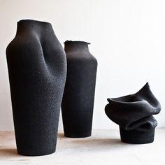 Incassables les vases en caoutchouc !  ` Ashes / design Birgit Severin
