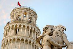 The iconic Tower of Pisa / A emblemática Torre de Pisa