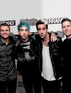 i'd pay sm money for alex's hair to look like that again