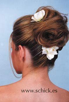 Peinados de novia con flores, recogidos con flores, Peinado de novias, altos, bajos, recogidos, semirecogidos