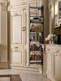 Colonna estraibile cucina bianca di lusso in rovere
