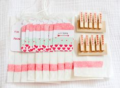 Mini Gift Wrap Kit Red Aqua Pink por ThurstonPost en Etsy
