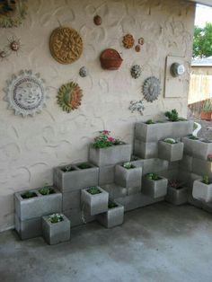 Jardim de blocos de cimento