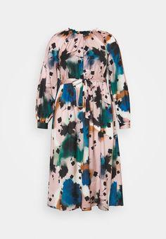 Marks & Spencer London PRINTED MIDI DRES - Day dress - multi-coloured - Zalando.de Dre Day, Fashion Updates, Fabric Material, Day Dresses, Men Casual, Mens Fashion, London, Printed, Long Sleeve