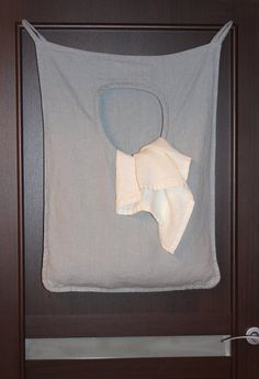 Laundry bag - great idea for small bathroom, so easy to make!