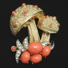 Mushroom Trifari brooch