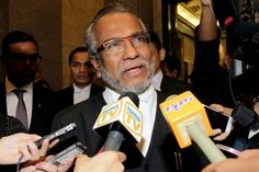 Shafee said that under British common law that also serves as the basis of the Malaysian legal system, a party may only seek judicial review if he is directly affected by the matter. — Picture by Yusof Mat Isa