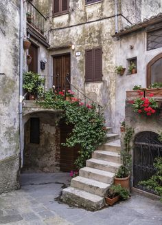 The town of Capalbio in Grosseto, Tuscany. - this reminds me of that scene in Roman Holiday Beautiful Streets, Beautiful World, Beautiful Places, Beautiful Pictures, French Country House, Mediterranean Style, Scenery, Around The Worlds, Beach