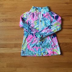 Lilly Pulitzer LCC popover EUC! Worn a few times. Slight pilling under arms and by pockets, but hardly noticeable! Indigo LCC. Just trying to get back what I bought it for! Lilly Pulitzer Sweaters