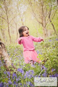 Emillie & Eleanor – in the Bluebell woods » Andrea Sarlo's Photography Blog
