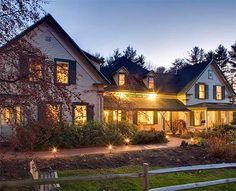 Squam Lake Inn is a top rated Holderness Bed and breakfast with stylish rooms & on site restaurant & bar in the Lakes Region near the NH White Mountains.