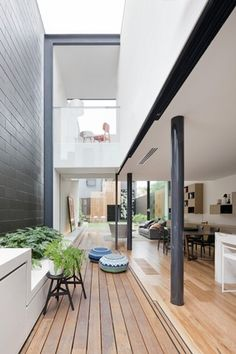 The Bridport House by Matt Gibson Architecture + Design in Melbourne, Australia is a contemporary renovation of a Victorian terrace. Architecture Design, Plans Architecture, Residential Architecture, Fashion Architecture, Contemporary Architecture, Post Contemporary, Contemporary Interior, Courtyard Design, Courtyard House