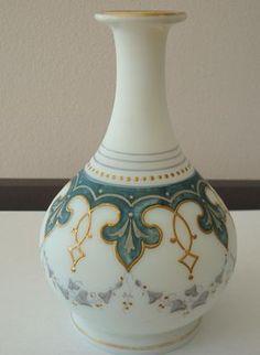 Terrific Absolutely Free Ceramics Vase design Tips Splendid Glass Vases Flowers Ideas 7 Blindsiding Cool Ideas: Vases Design Ceramic va Pottery Painting, Ceramic Painting, Pottery Vase, China Painting, Clay Vase, Ceramic Vase, Wooden Vase, Bottle Painting, Bottle Art