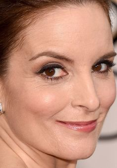 Close-up of Tina Fey at the 2015 Golden Globe Awards. http://beautyeditor.ca/2015/01/12/golden-globes-2015
