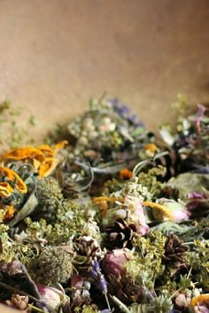 You can easily make beautiful potpourri with flowers from your backyard or some that you purchase. Learn more about this easy way to create something beautiful and fragrant for your home. Fresh Flowers, Dried Flowers, How To Make Potpourri, Something Beautiful, Creative Home, Flower Crafts, Vines, Succulents, Craft Projects