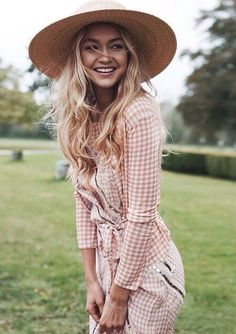 Pink outfit & hat