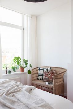 (via Simple Styling with Vintage - Avenue Lifestyle Avenue Lifestyle)