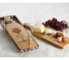 "This amazing gorgeous wine bottle shaped cheese/antipasto board features etched wine glass design with ""Buon Cibo, Buon Vino and Buoni Amici"" messaging. Italian Wedding Favors, Honey Wedding Favors, Vintage Wedding Favors, Wedding Favors Cheap, Wedding Ideas, Cheap Candy, Bridal Shower Wine, Wine Glass Designs, Cheap Favors"