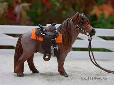 Western saddle set for Schleich Falabella-Allereirau. This is so adorable!!!