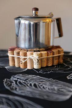 diy cork trivet Cork Trivet, Crafty Projects, Homemade Gifts, Big Kids, About Me Blog, Arts And Crafts, Fun, Design, Hipster Stuff