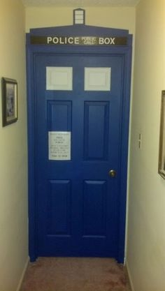 Doctor Who, TARDIS door--is this what you were talking about?